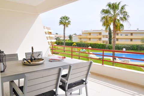 2BR Modern w/ Pool Access, Close to Beach by LovelyStay
