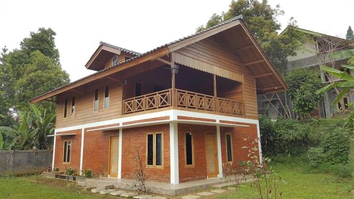 Villa Rosella, Sukabumi