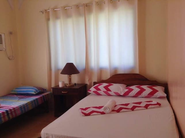 Emys Place (Triple Sharing Room) - Coron  - Appartement