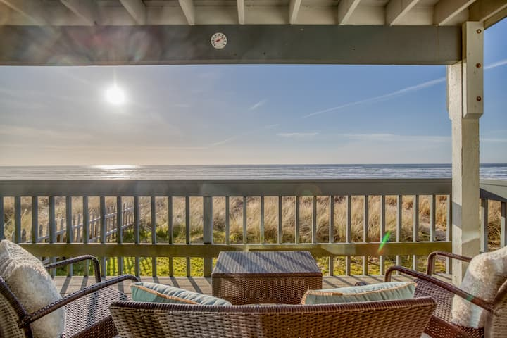 Whale Watcher Condo #1 Panoramic Rockaway Beach Views From This Beautifully Appointed Oceanfront Condo!
