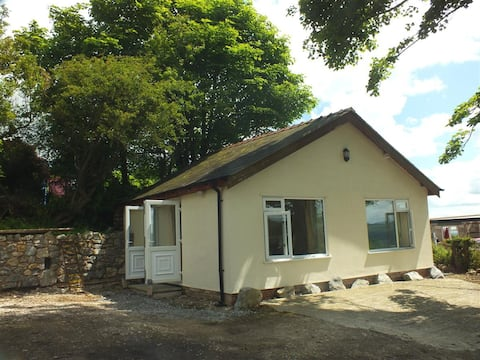 Self contained holiday cottage on Halkyn Mountain