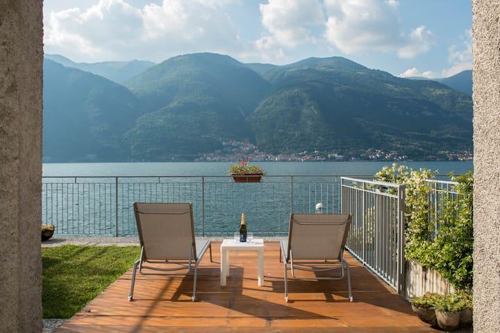 Bellagio Villas Rigoletto Lakefront with garden