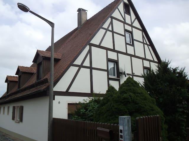 Ferienwohnung Brigitte - Fürth - Appartement