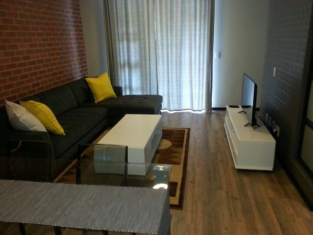 Great Location in Rosebank Vantage near Gautrain - Joanesburgo - Apartamento