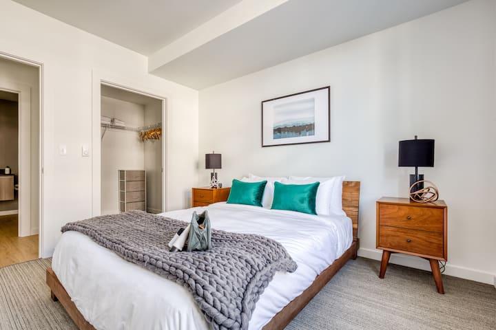 Modern Bellevue 1 Bedroom