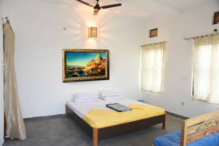 Residency Over Ganga - Room no. 4. (Rs.1500)