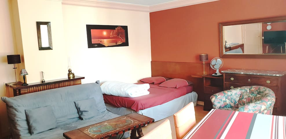 Cosy & typical flat 50m from Beach St Jean de Luz