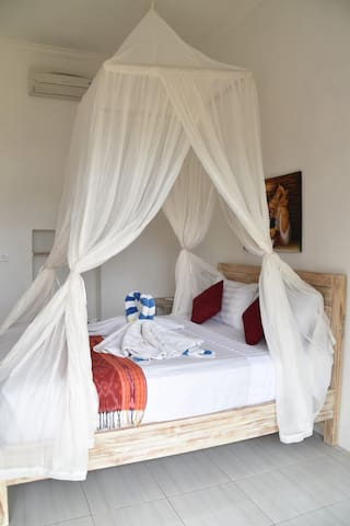 2 double room@cozy W guest house ceningan
