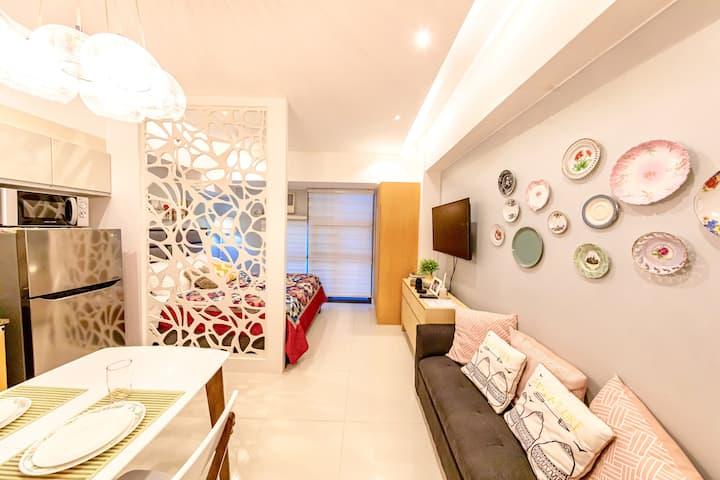 Modern & Cozy Studio in Viceroy Tower Fast wifi