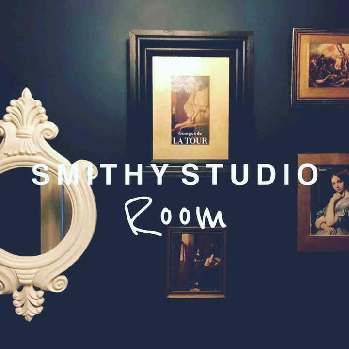 Smithy Studio Room