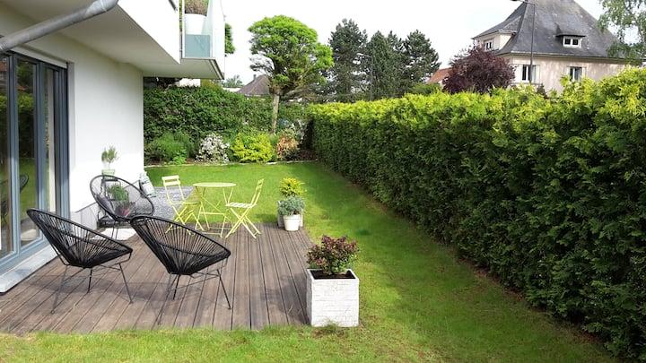 3bedroom apt with garden 10min walking city center