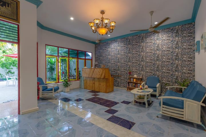 6 BHK Home - 30 mins boat from Airport