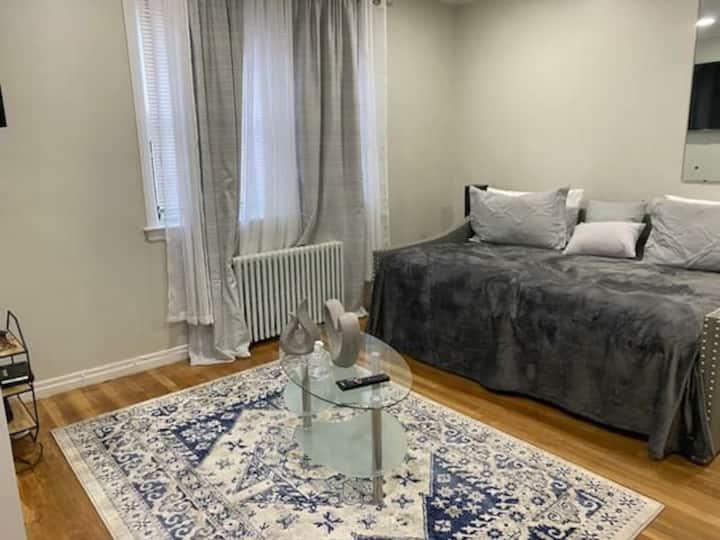 Queens village cozy apartment