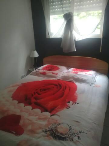 chambre chez l'habitant en cohabitation .