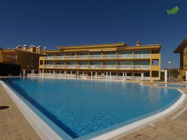 Apartment with pool and tennis near the beach - Silveira - Apartment