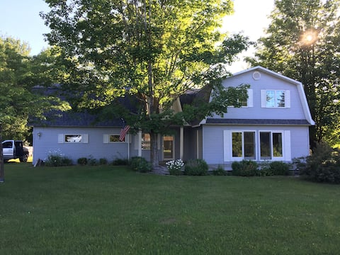 Lake Charlevoix Spacious Home Away From Home
