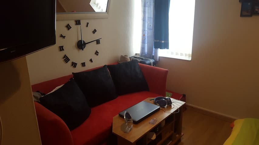A lovely, quiet apartment minutes from City Centre - Bootle - Apartamento