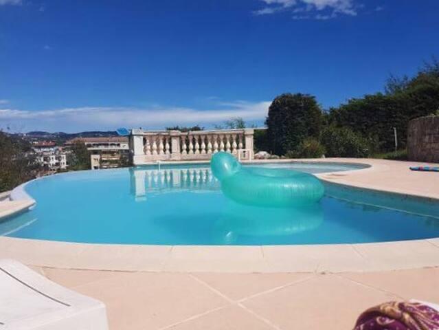 Villa Beausite T1.T2  independant en rez de jardin