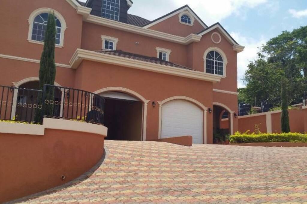 Mandeville Townhouse Townhouses For Rent In Mandeville Manchester Parish Jamaica