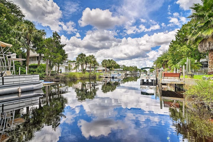 NEW! Canalfront Weeki Wachee Home w/ Private Dock!