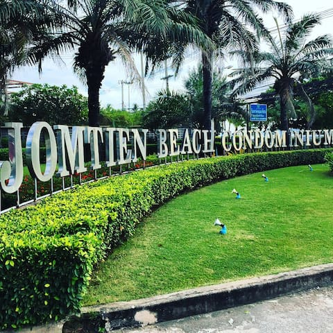 Your Beachside Paradise in Jomtien Beach Pattaya! - TH - Condo
