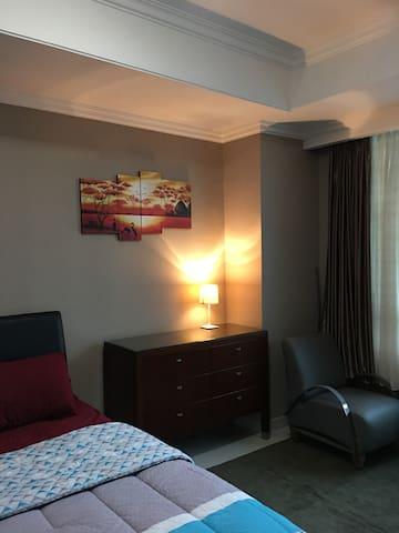 Spacious Luxury Condo above Kuningan City !