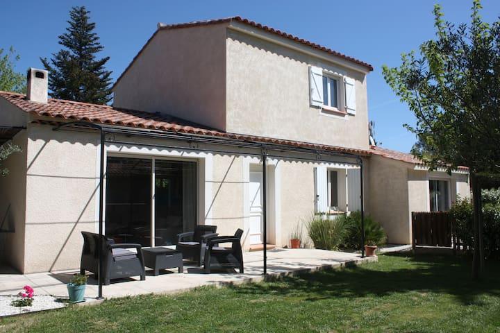 Maison 145 m2 en provence avec piscine - La Bouilladisse - Casa