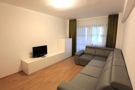 Modern apartment for 4 guests close to the center - Brașov - Wohnung