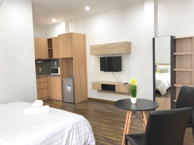 Spacious Apt In The Main Street of HCMC