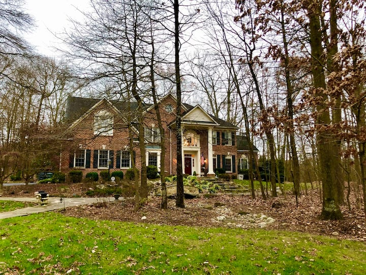 NEW LISTING!! Wooded Estate on 3 acres-4 bd/4 bath