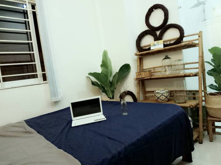Private room next to walking Bui Vien str, D1