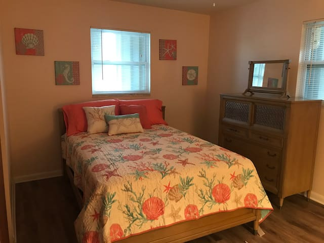 Beach themed room close to KSC, Beach & Cruises