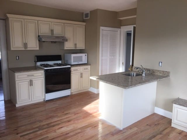 Two bedroom with parking, near T