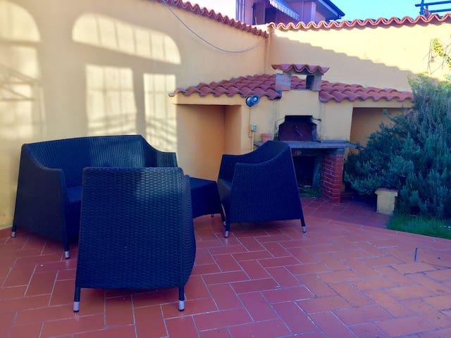 Appartamento in villa con giardino.