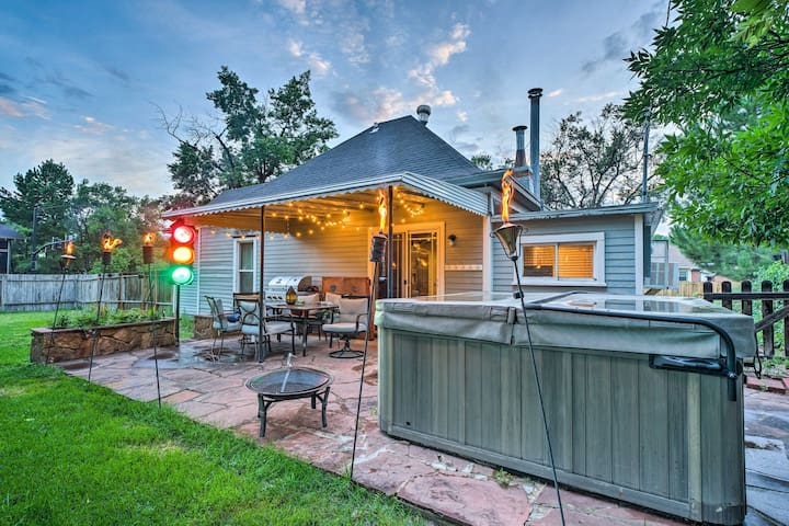 NEW! Colorado Springs Home w/Hot Tub-1 Mi to DT!