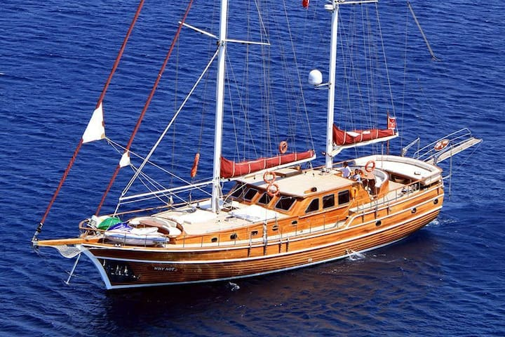 Yacht Suite Cecina - Caicco
