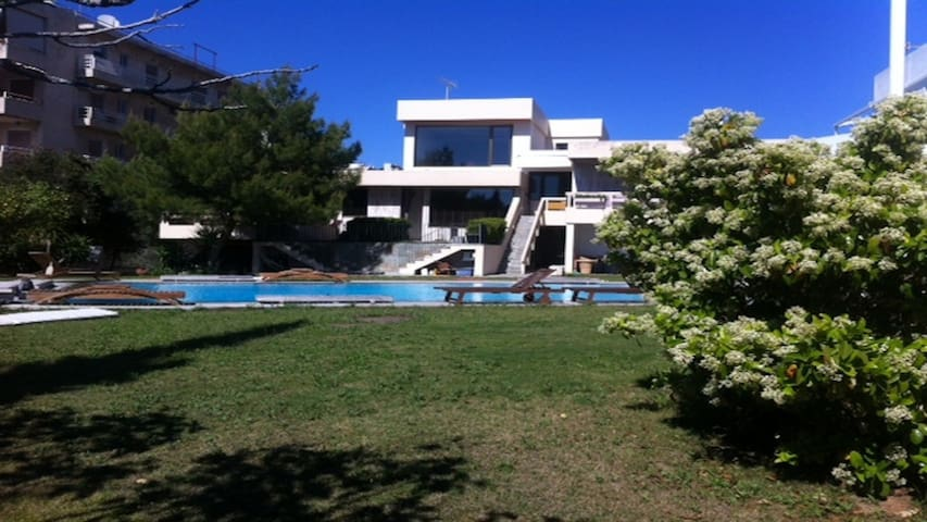 70sqm cute maisonette with pool near the beach! - Voula - House