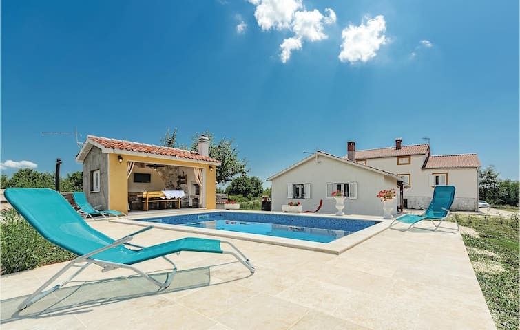 Holiday cottage with 1 bedroom on 60 m² in Sv.Petar u Sumi