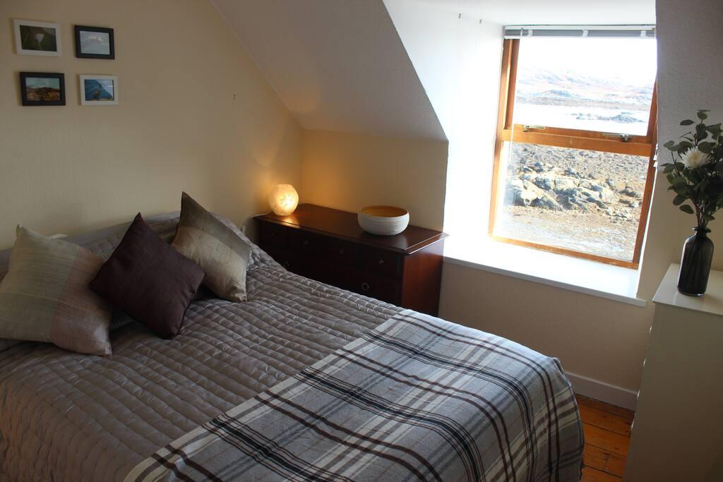 Seaview Double-bedroom