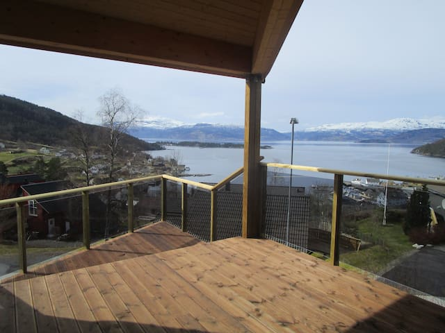 In the hillside above the Hardanger Fjord - Herand - Apartamento