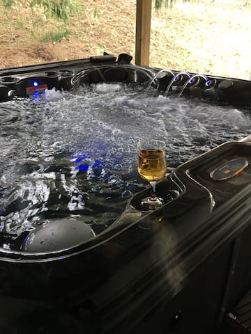 After a long day of fun in Amish country relax in your own private Hot Tub!! Jets and a Built in Blue tooth speaker system to play your favorite music.  Rest assured I personally drain, clean, wash filters and refill the hot tub for every new guest.