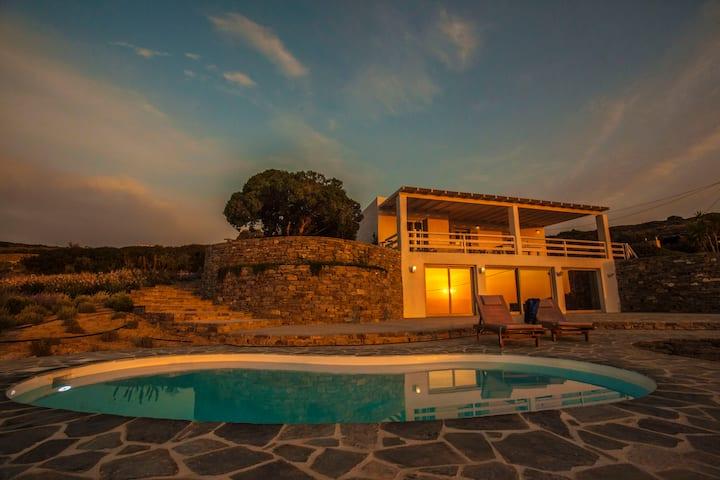 Villa Uriah with a Balcony