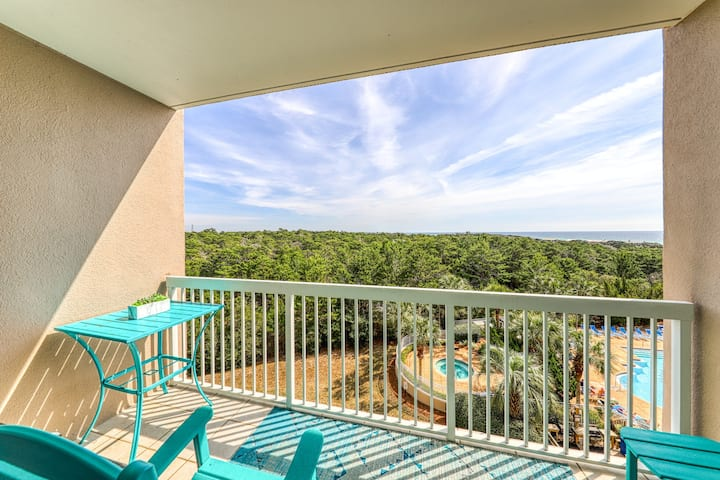 Convenient studio w/ a private balcony, shared pool, hot tub, & fitness center