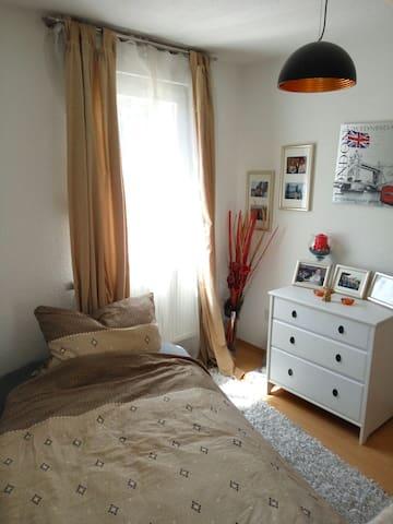 Helle Wohnung mit gemeinschafts Küche
