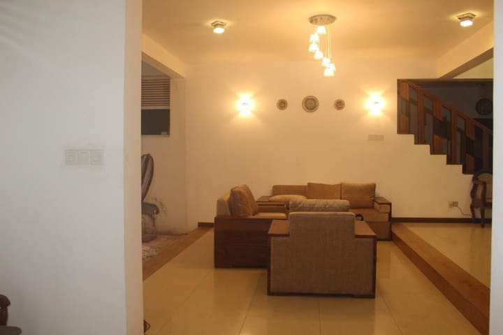 Colombo-New Luxury House for Rent(short/Long term)
