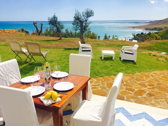 CAMELIA 2BR-terrace&beach by KlabHouse - Lumia - Appartement