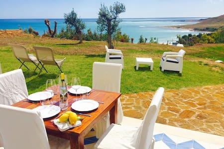 CAMELIA 2BR-terrace&beach by KlabHouse - Lumia - Apartment