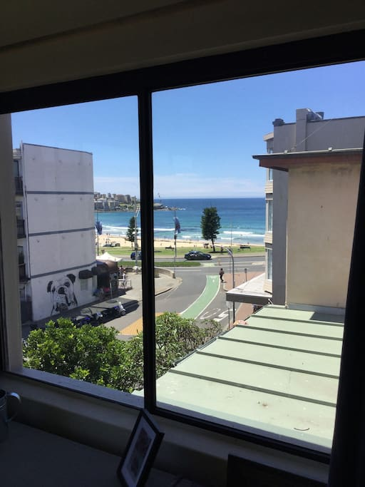 Apartment location and beach view