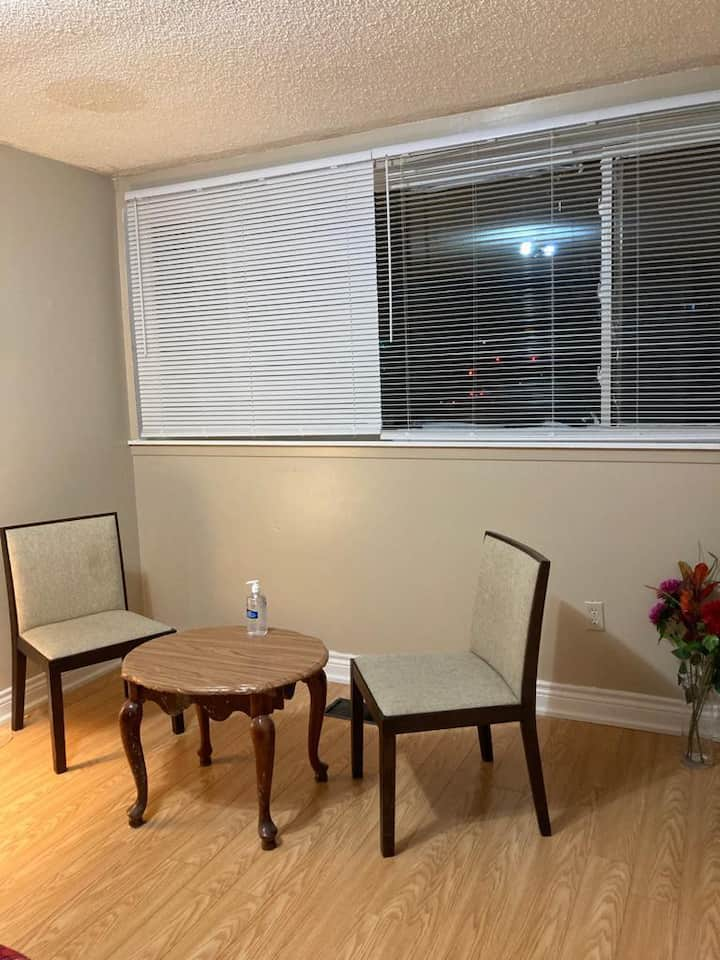 Large room, Westwood Sq. Mall, Pearson Airport