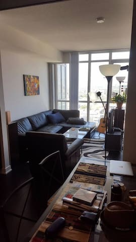 1 Bedroom + Balcony + Unobstructed View - Toronto - Appartement en résidence